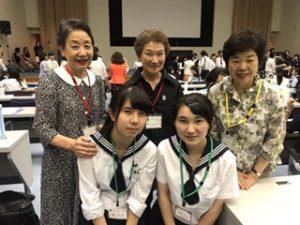 十文字学園高校の高校生、校長先生と東京-弥生会員。