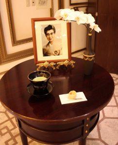 千嘉代子初代ガバナーへの献茶